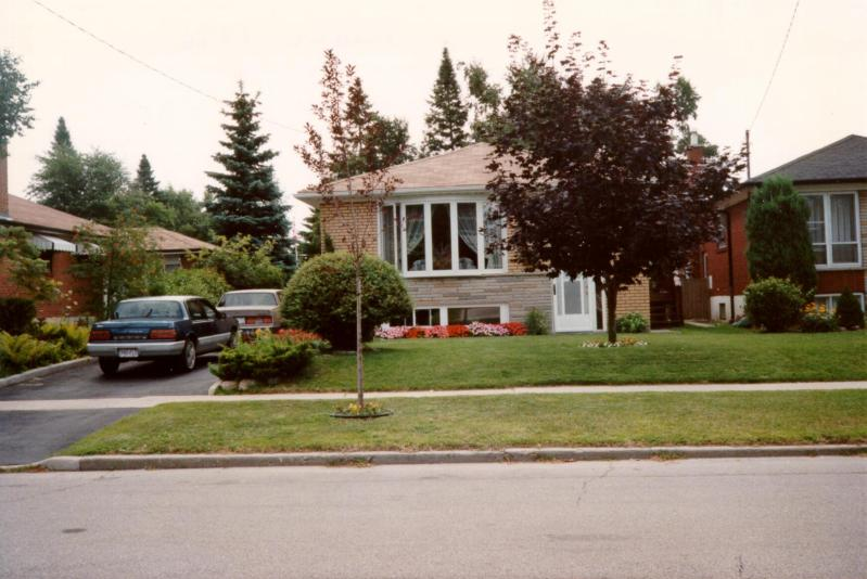 photo of raised bungalow